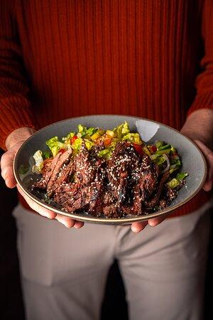Peppered steak salad