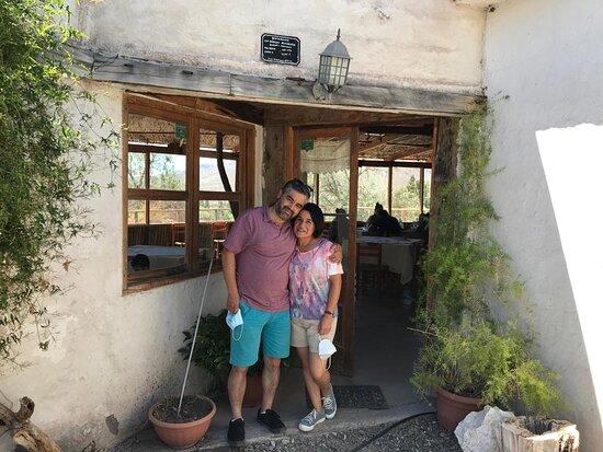 Combarbala, Chile: nosotros en la entrada del restaurant