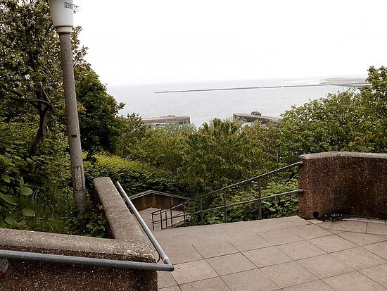 Aussichtsplattform Treppe Ost