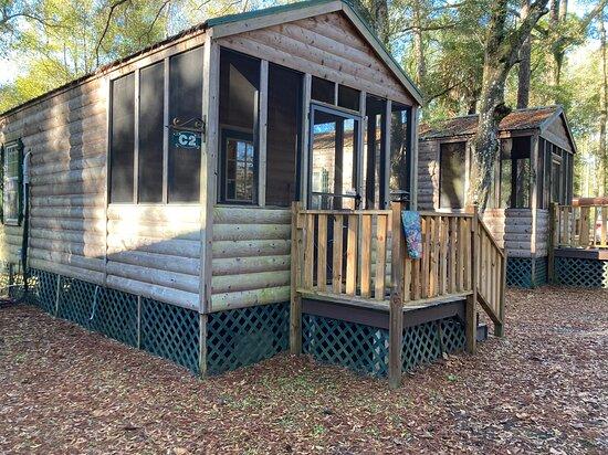 Fort Mc Coy, FL: Cabin with loft, C-2.