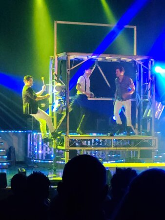 The Haygoods: Branson's Most Popular Show: loved loved loved this...