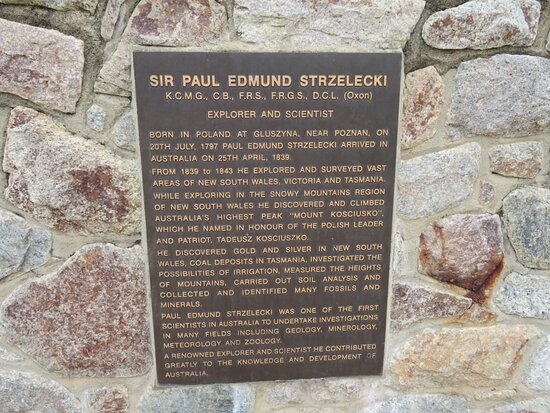 Sir Paul Edmund Strzelecki Monument