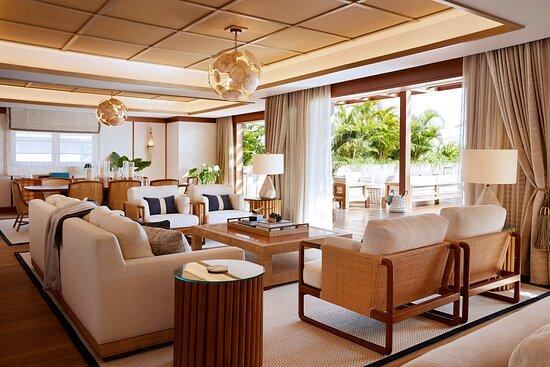 Presidential Villa - Living & Dining Room