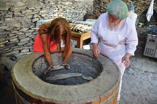 5-Day Holiday Package in Georgia: Bread becking master class in Kakheti region