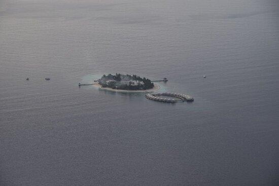 Maldives: Мини-отель-остров. Почти как наш, но наш ещё меньше был)