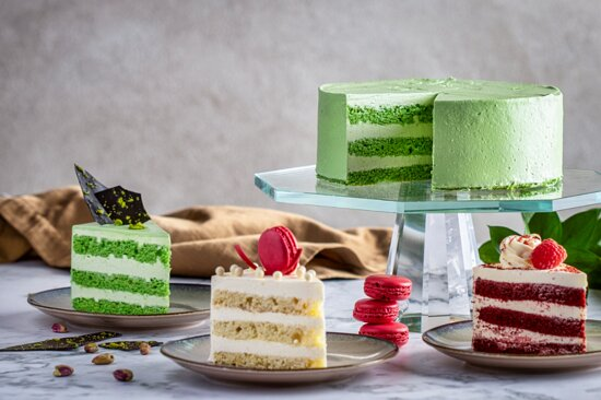 Luxe Lounge Cakes