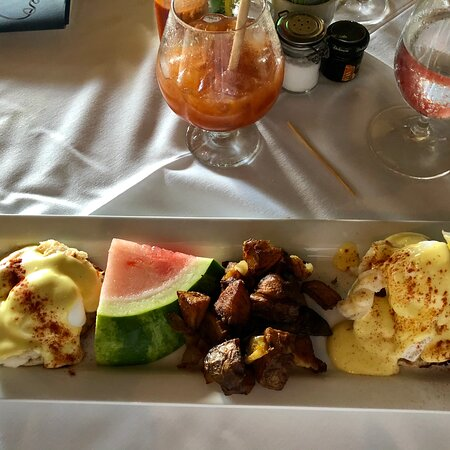 North Side, St. Thomas: Excellent Lobster Benedict