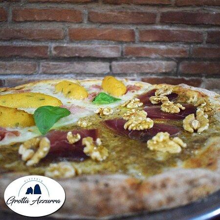 Pizzeria Grotta Azzurra Bellona Pizza Americana Classica e Gourmet Anche Pizza Senza Glutine