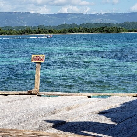 Restaurant and Bar out in the Caribbean Sea?  Come journey with us to the Pelican Bar,  dubbed 'the world's coolest bar' and enjoy seafood, jerk chicken, red Stripe and swimming capping it off with a view of a magnificent sunset 😍😍😍  Roundtrip transportation is available! Let's go! 🙌🏾🙌🏾