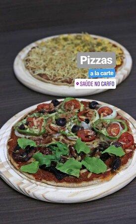 A noite temos pizzas veganas a la carte e quintas feiras rodízio de pizzas com mais de 30 sabores e acompanhamentos