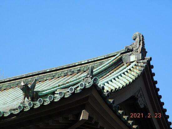 斯文会館屋根上の聖獣装飾物