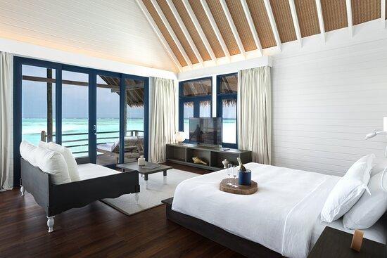 COMO Water Villa Bedroom Queen Size Bed