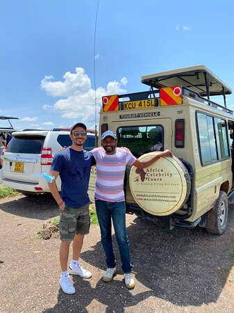 Guide and client at Amboseli observation point