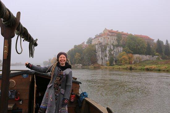 Matylda- sternik łodzi wiślanych zaprasza na rejsy. Tyniec, Kraków.