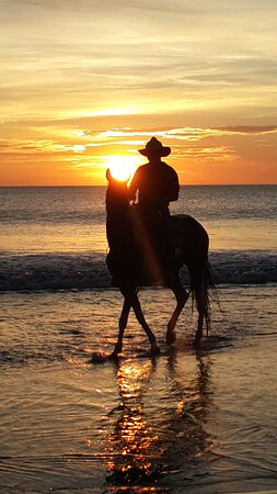 Portegolpe, Costa Rica: The best Pacific sunset ride with Casagua Horses