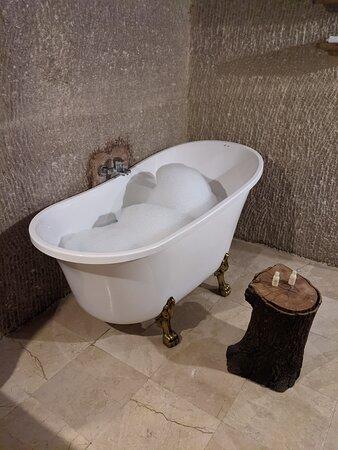 Bathtub in Hera Cave Suites