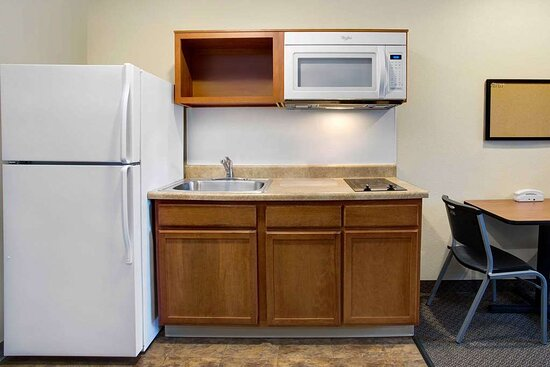 Camp Springs, MD: Guest room with Kitchenette limited equipment