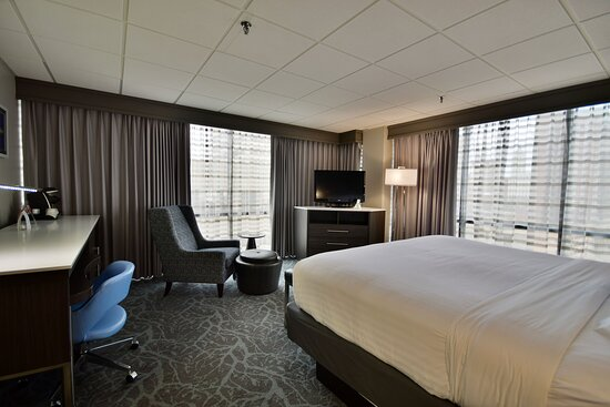 Spacious King room with fabulous city views