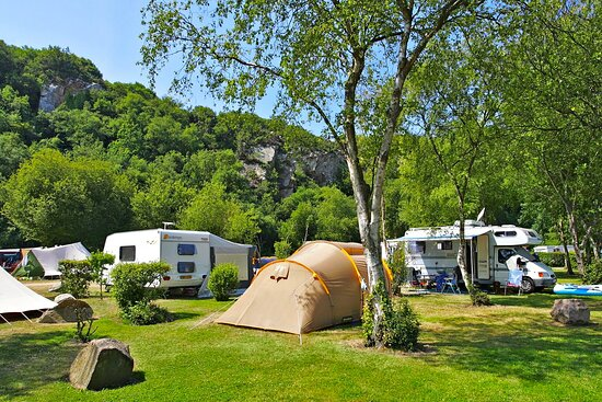 Camping pitches on the upper level