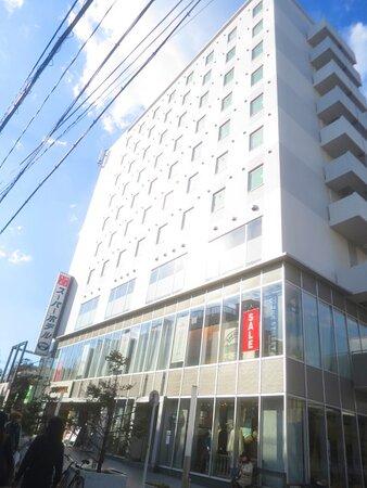 裏寺町にある大型ホテル