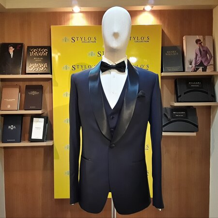 """""""Fashion is what you adopt when you don't know who you are."""" — Quentin Crisp One fine Tuxedo  by Stylo's Collection.  We offer top-notch quality tailoring. Visit our store or order online. WhatsApp/ Ph : +66 (0) 865 373 888, +66 (0) 897836661 Email: styloitbkk@gmail.com Website: www.stylocollection.com #Styloscollection #Premium #premiumquality #Cavani #Luxury #Suit #Tuxedo #Stylo #GQ #Bespoke #Master_Tailor #Bangkok_Best_Tailor #Supplier #Stylo #Shipping #Worldwide #styloscollection"""