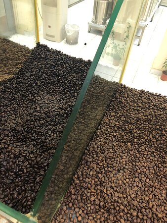 Fresh roasted and ground Turkish coffee with or without cardamom you can chose. All spices are available and they are very cheap, Saffron, chili, cinnamon, the best Palestinian Zatar everything is abailable. Also fresh nuts like almonds, roasted sunflower seeds Sass has it all.