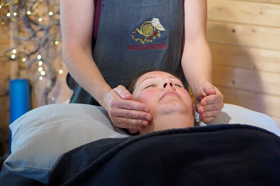 Reiki is a relaxing and healing therapy