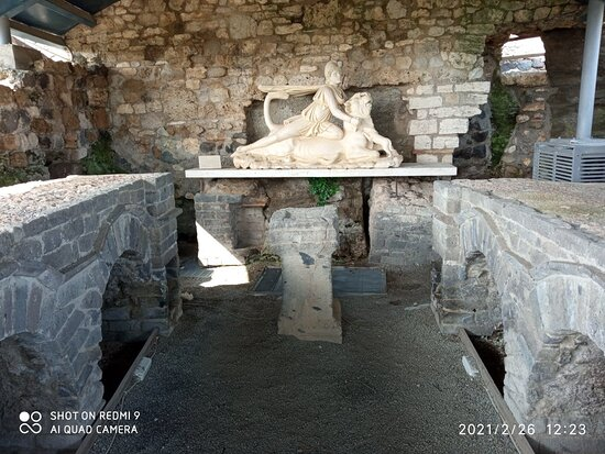 Tra  archeologia e natura