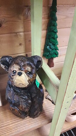 Eureka Springs, AR: Chainsaw carved bears
