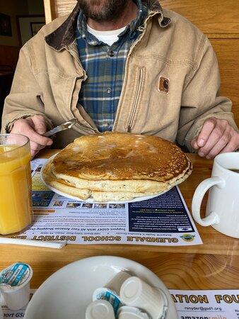 Coalport, بنسيلفانيا: Pancakes are the size of a seat cushion