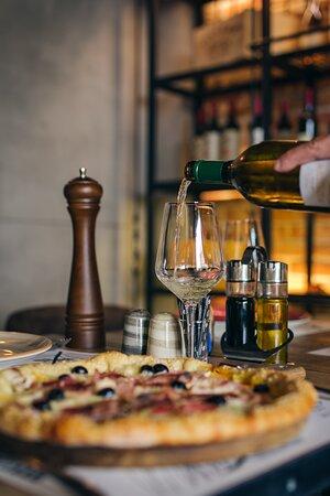Vino i Pizza