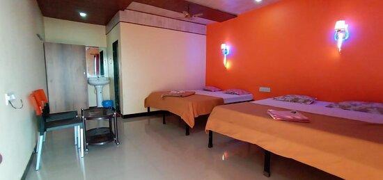 Family Rooms in Shivsagar Agro Tourism, Tapola
