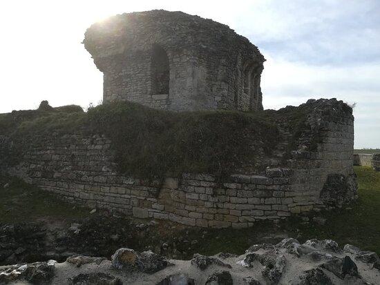 Chateau D'ivry La Bataille