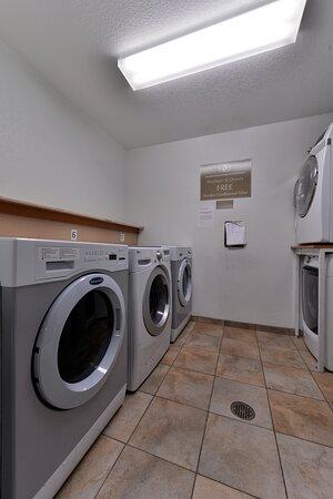 Turlock, كاليفورنيا: Complimentary Laundry Facility
