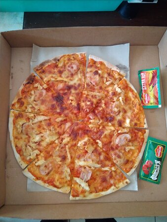 Benoa, Indonesia: kombinasi rasa yang pas, dengan pizza yang krispi