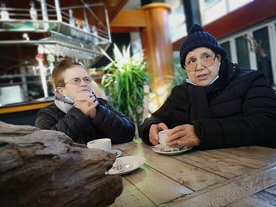 Blanes, Spain: Dia de cafe y de descubrir que el restaurante El Moment es muy bonito y acogedor...