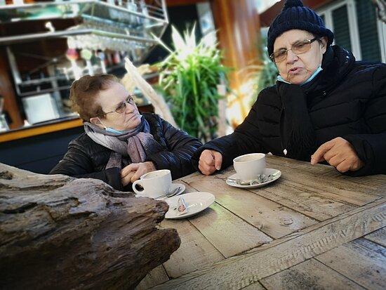 Blanes, Spain: Nos atendieron con mucha educación y nos invitaron a pastel...Gracias