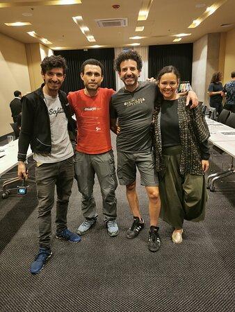 """""""Alto de Letras"""" Tour: The Longest Climb in the World: Tomás, Marcela y Juan de Colombia Cycling con Henry de Biketourscr, artífices de una experiencia inolvidable."""