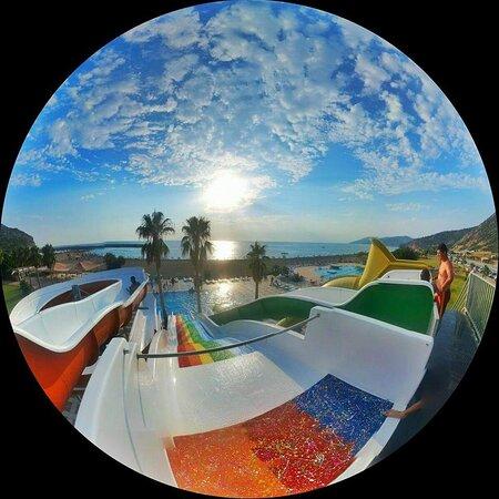Aquapark  ve  Plajımız