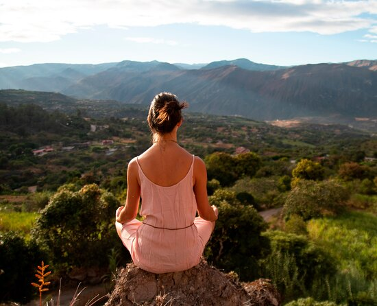 Santa Isabel, Ecuador: Contemplating Beautiful views of the valley while getting back to your center and remembering what is truly worth living