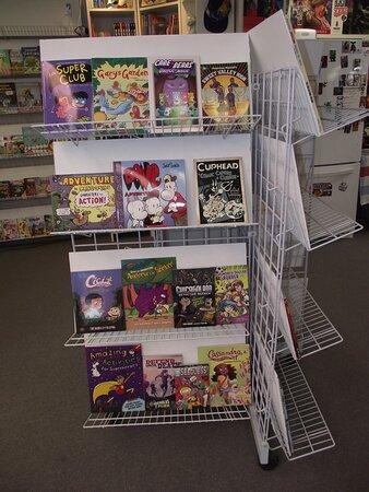 NH - NEWINGTON - STAIRWAY COMICS - COMIC BOOK DISPLAY