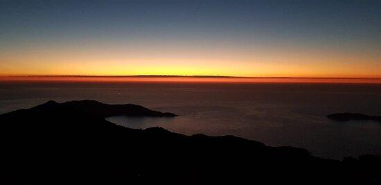 Momento antes do sol nascer