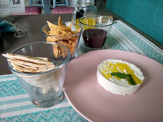 Appetizers - beans & chips // Lebanee & pita bread