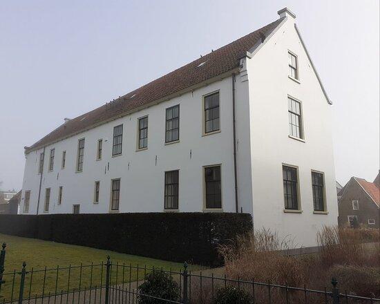 Poortgebouw Weeshuis Medemblik (1785)