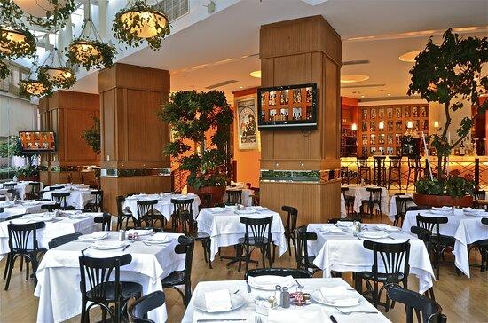 Los Canarios Restaurant