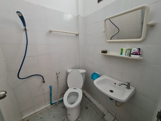 มีห้องน้ำ1ห้อง ครับ