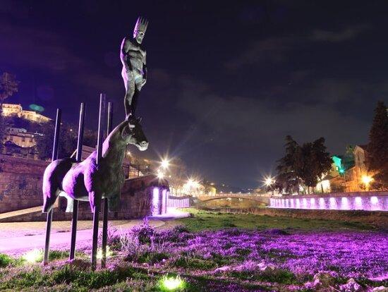 Monumento A Re Alarico