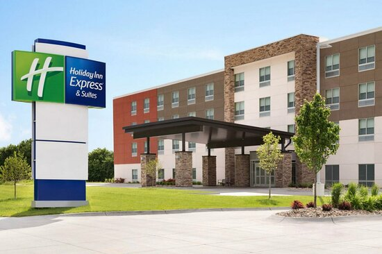 Holiday Inn Express and Suites Cincinnati Riverfront