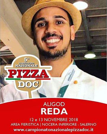 Il nostro Reda, pizzaiolo e proprietario