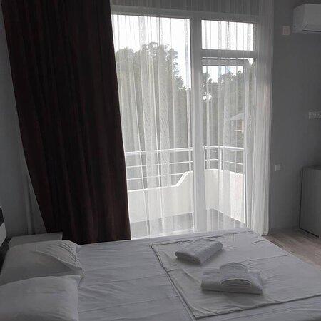 Комнаты с воной  комфорт отличи вид из окна.